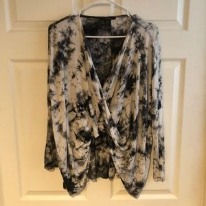 Women's Black and White Tie Dye Twist Front Top